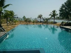 Lawana Beach Resort