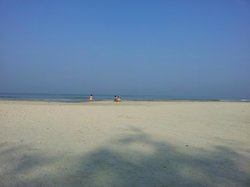 Pleasant, peceful, lonely beach - no crowd