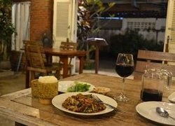Phakhao Lao  Restaurant