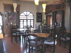 Zu Taza Cafe & Bistro