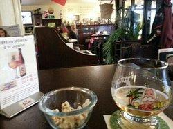 Le Bruxelles Cafe