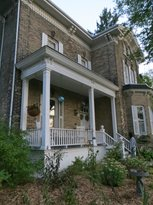 Hillcrest House Bed & Breakfast
