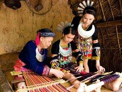 Baiyue Ethnic Cultural Village