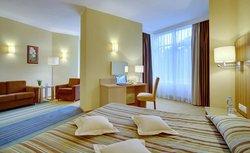 Repino Cronwell Park Hotel