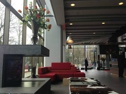 amazing nice warm feeling lobby lounge