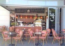 Le Bay Cafe