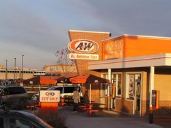 Autumn sun warmly lights Manitowoc's A&W!
