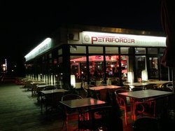 Petrifoerder -Restaurant - Bar - Cafe -