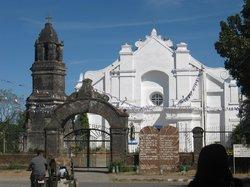 La Virgen Milagrosa de Badoc Church