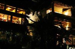 Laguna Lodge at night