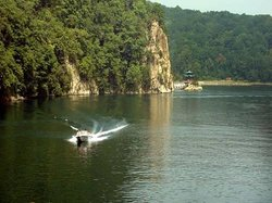Qingnian Lake People's Park of Yanji