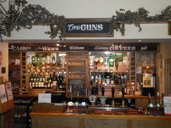 ‪Cross Guns Inn‬