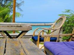 Lazy Beach Bar