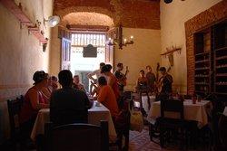 Bar Restaurante Salon 1851