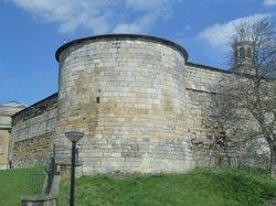 Gatehouse on Walls.