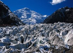 Tuomu'er Glacier
