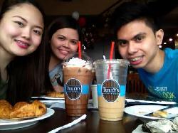 Tully's Cafe