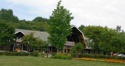 Spa & Inn The Maple Lodge