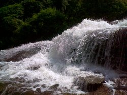 Kovai Kutralam Falls