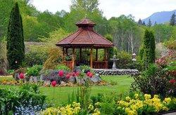 Victorian Garden Gate Manor B & B