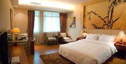Fenghuang Caifu Hotel