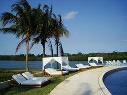 El Paraiso Resort