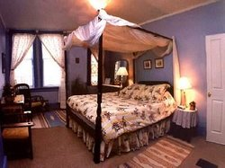 Yellow House Bed & Breakfast and Spa