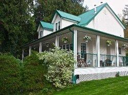 Bear Mountain Ranch and Resort