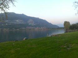 lago di Pusiano a 300 m dall'hotel