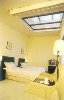 Yueliangcheng Business Hotel