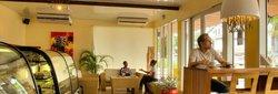 Tangelo Hotel & Restaurant