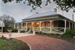 Adelaide Hills Oakfield Inn