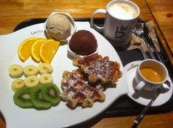 Caffe Bene  Busan Minam Station Store