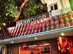 Oarhouse Pub of Manila