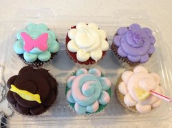 Frosted Robin Cupcakes