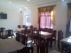 Arami Mot Restaurant Goris
