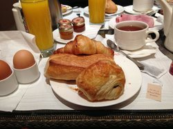 Breakfast at Hotel de Lutece
