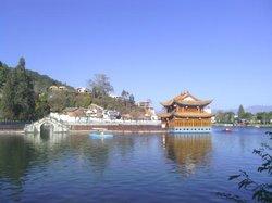Shunlong Temple
