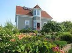 Century House Bed & Breakfast Pottery & Gallery