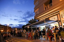 Veinte 04 Surf Cafe
