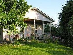 Cottage on the Knoll at Cedarcroft Farm