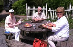 Sumptuous outdoor dining in Dilly's garden