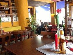 Cafe Lom