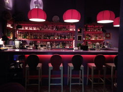 Lola Bar-Cafe