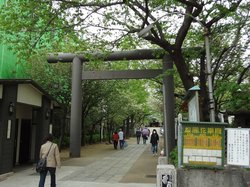 Kameido Katori Shrine