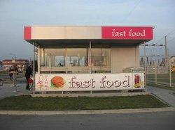 Pinki - kiosk s hitro prehrano