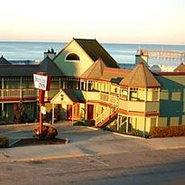 Cayucos Shoreline Inn...on the beach