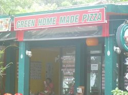 Green Home Made Pizza
