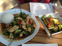 Naviya's Thai Brasseire