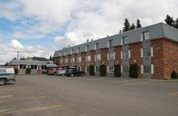 Twin Pine Motor Inn